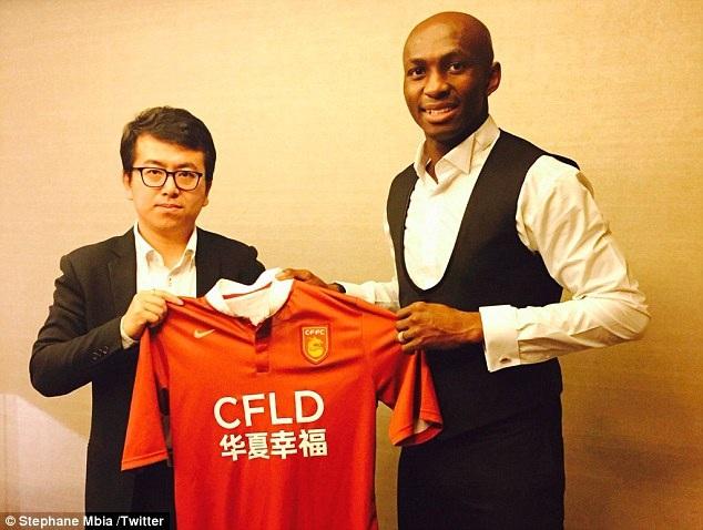 Stéphane Mbia sang Trung Quốc thi đấu vào tháng 1 năm nay
