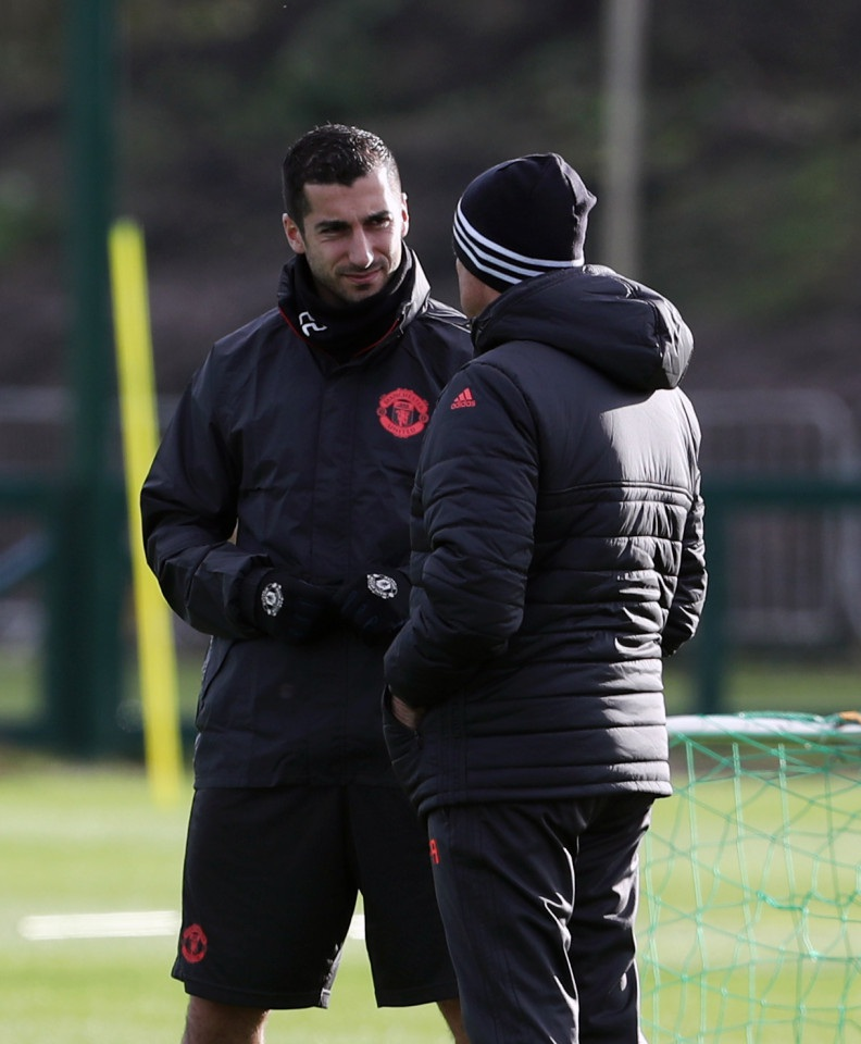 """Vì mục tiêu lớn, Mourinho ép học trò """"cày"""" cả ngày nghỉ - 2"""