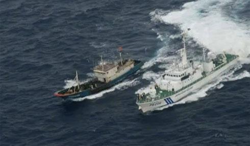 Tàu cá Trung Quốc bị tàu tuần duyên Nhật Bản áp giải về cảng Nagasaki