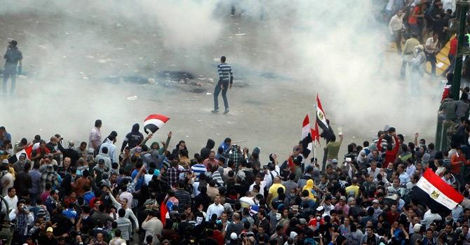 Biểu tình và bạo động vẫn đang tiếp tục lảm rung chuyển đất nước Kim tự tháp.