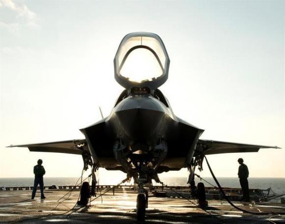 Mỹ mạo hiểm dùng thiết bị Tàu cho siêu chiến đấu cơ F-35