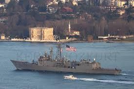 Tàu USS Mount Whitney của Mỹ băng qua eo biển Bosphorus hôm 4/2 vừa qua.