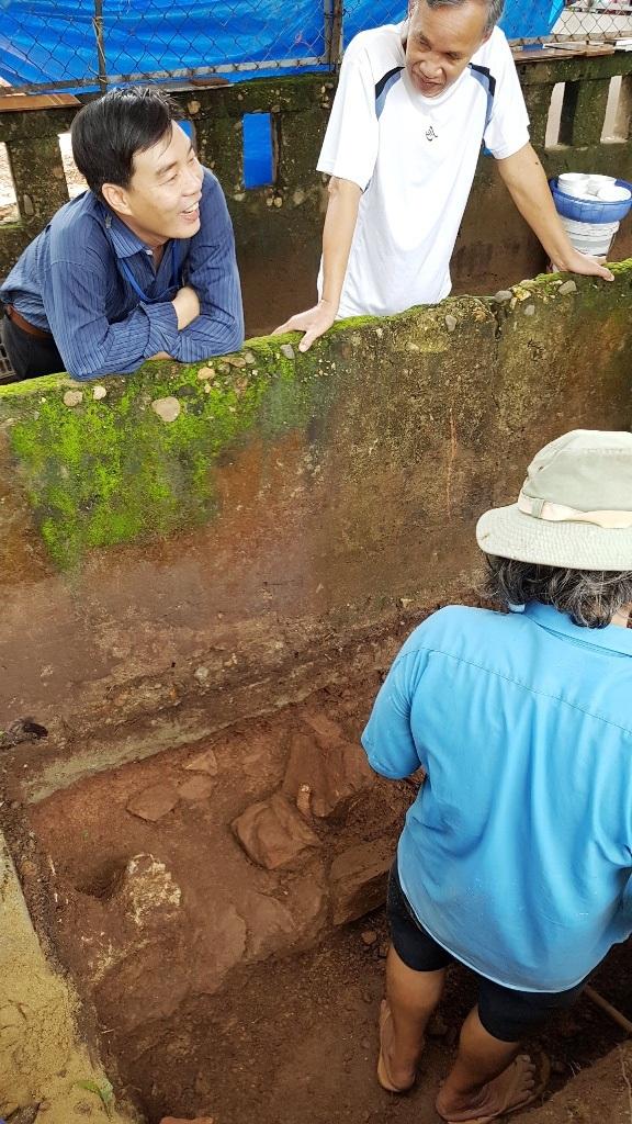 Phát hiện thêm 1 nền đá cổ tại hố khảo cổ tìm dấu tích Tây Sơn/Quang Trung - 9