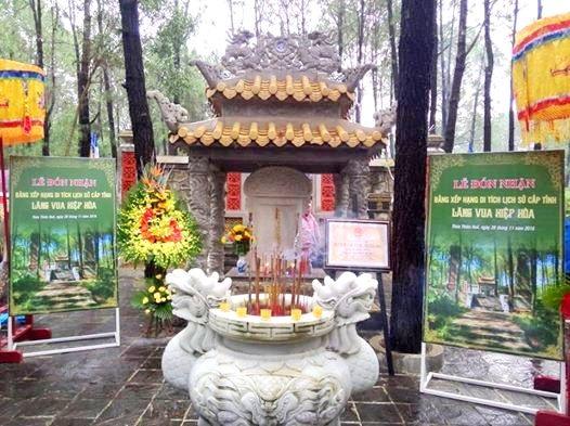 Lăng Vua Hiệp Hòa được đón nhận Di tích lịch sử cấp tỉnh (ảnh: Sở Văn hóa Thể thao tỉnh Thừa Thiên Huế)