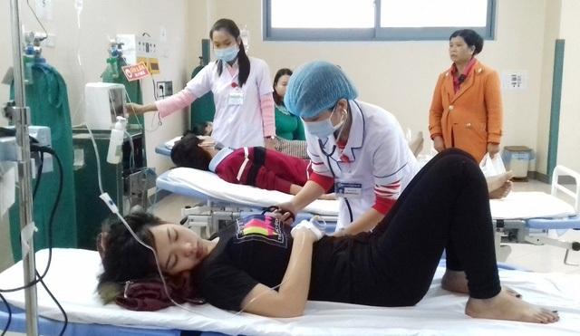 Nhiều người dân nhập bệnh viện vì đau bụng sau khi ăn bánh mỳ
