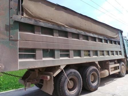 Nhà thầu sử dụng xe chở quá tải sẽ bị đình chỉ thi công (ảnh minh họa: Duy Tuyên)