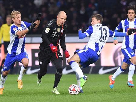 """Robben tỏa sáng đem về 3 điểm cho """"hùm xám"""""""
