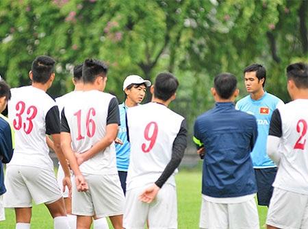 HLV Miura đã cho đội tuyển Việt Nam tập kín sau khoảng 15 phút đầu tiên mở cửa cho báo chí