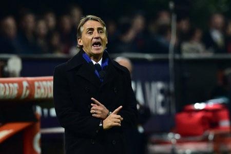 HLV Mancini có màn ra mắt ấn tượng