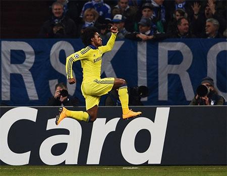 Niềm vui của Willian khi đưa Chelsea chạm tay vào chiến thắng