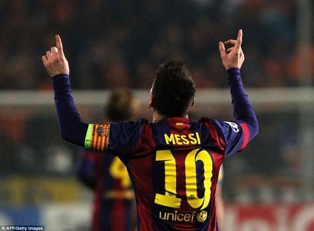 Messi xô đổ kỷ lục ghi bàn của Raul