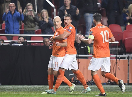 Niềm vui ghi bàn của các cầu thủ Hà Lan