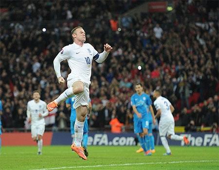 Rooney đã tỏa sáng trong ngày kỉ niệm trọng đại của bản thân