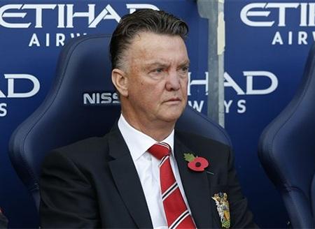 Gương mặt buồn rầu của Van Gaal tại Etihad