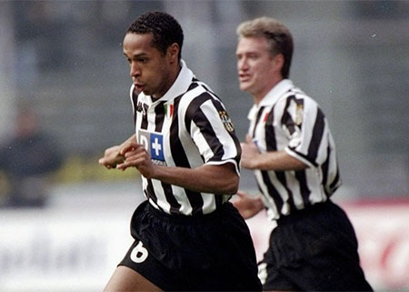 Năm 199 Henry thi đấu cho Juventus nửa mùa giải, 19 trận ghi ba bàn
