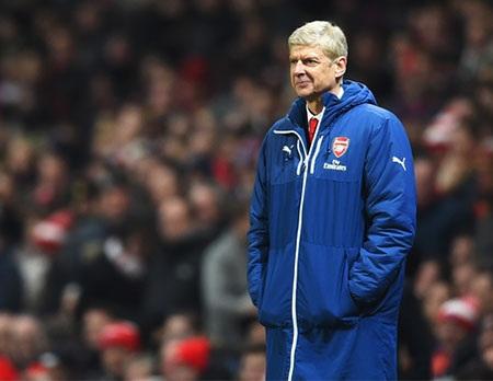 Wenger đang bị chỉ trích dữ dội