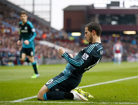 Niềm vui của Hazard sau khi ghi bàn