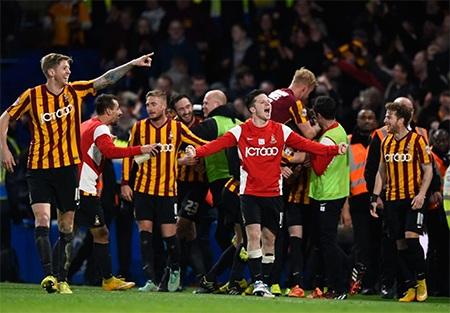 Niềm hạnh phúc tột cùng của các cầu thủ Bradford. Họ đã lập nên một chiến công vĩ đại