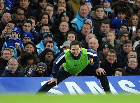 Lampard trong lần đầu tiên trở lại Stamford Bridge