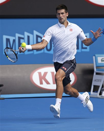 Djokovic dạo bước qua vòng hai