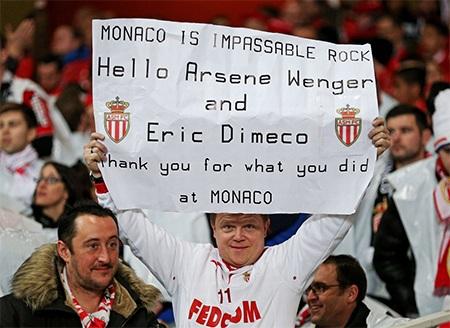 Sanchez và các cầu thủ Arsenal tỏ ra hồ hởi trước trận đấu