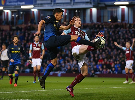 Man City tràn lên sau bàn thua nhưng họ tiếp tục bế tắc