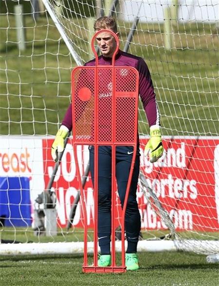 Thủ thành Joe Hart. Chốt chặn số 1 của Man City chắc chắn vẫn là thủ môn số 1 tại tuyển Anh