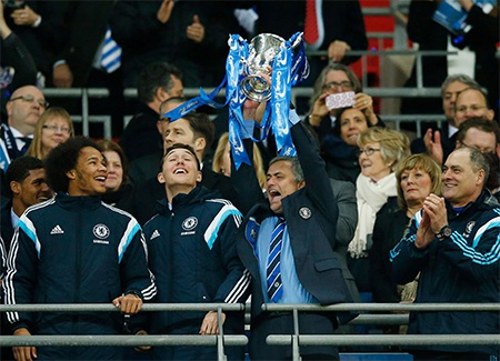 Mourinho vui mừngvới chức vô địch