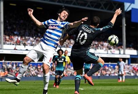 Barton trong pha tranh bóng với Hazard