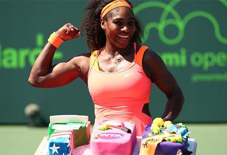 Niềm vui khi nhận quà của Serena Williams