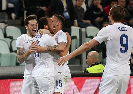 Townsend vui mừng sau khi ghi bàn