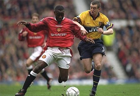 HLV Graham đã thành công lớn ở Arsenal nhưng ông đã bỏ sót mất tài năng của Cole
