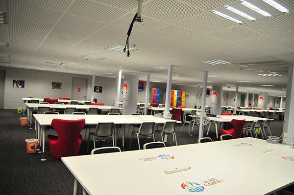 Khu vực làm việc của phóng viên tại trung tâm báo chí