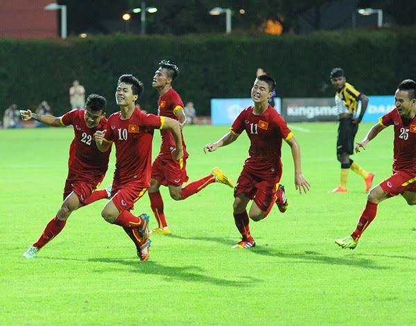 Công Phượng thi đấu sắc lẹm trước hàng thủ U23 Malaysia, ảnh: Tiến Đạt