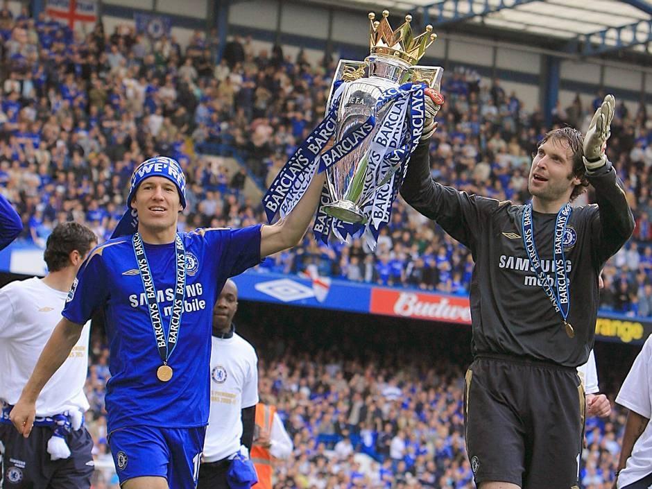 10 năm huy hoàng của Petr Cech tại Chelsea