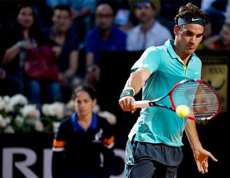 Federer đang nỗ lực trở lại sau cú sốc ở Madrid