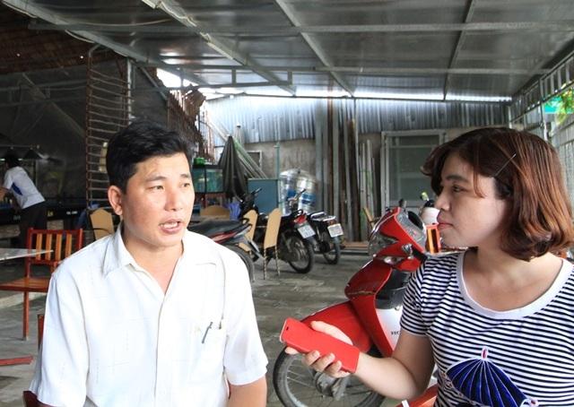 Ông Lê Văn Nhớ - Phó chủ tịch UBND xã Thới Tân tiếp xúc PV Dân trí ngày 23/10