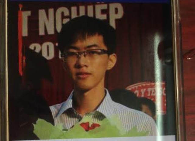 Sinh viên Nguyễn Trần Hoàng Phụng mất tích một cách bí ẩn.