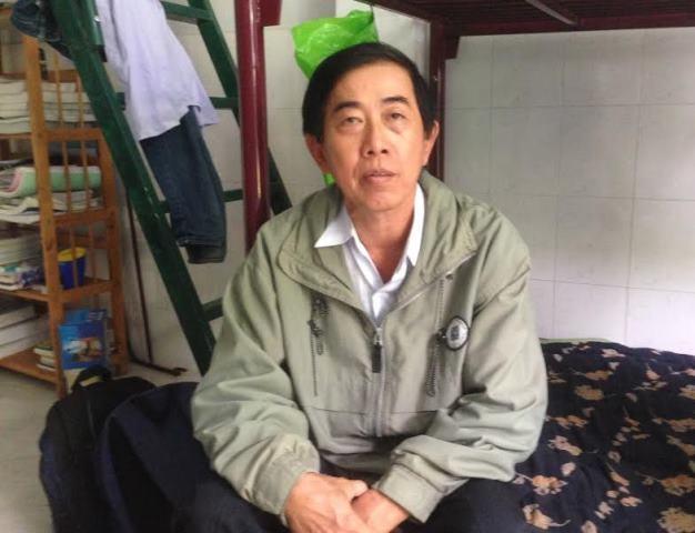 Ông Nguyễn Văn Trọng lo lắng vì sự biến mất của con trai.