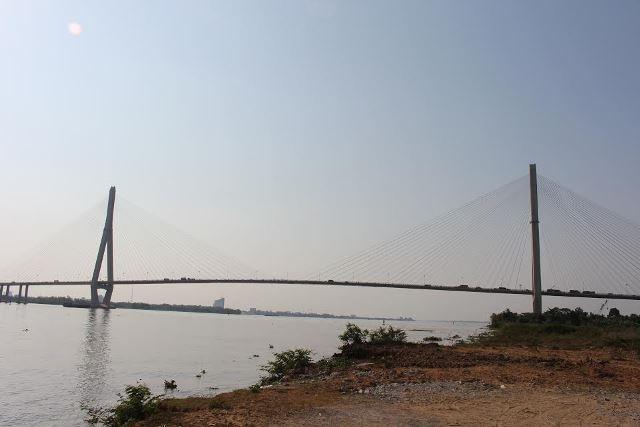 Cầu Cần Thơ nơi Phạm Văn Tài bỏ lại xe, nhiều người nghi ngờ Tài đã nhảy cầu