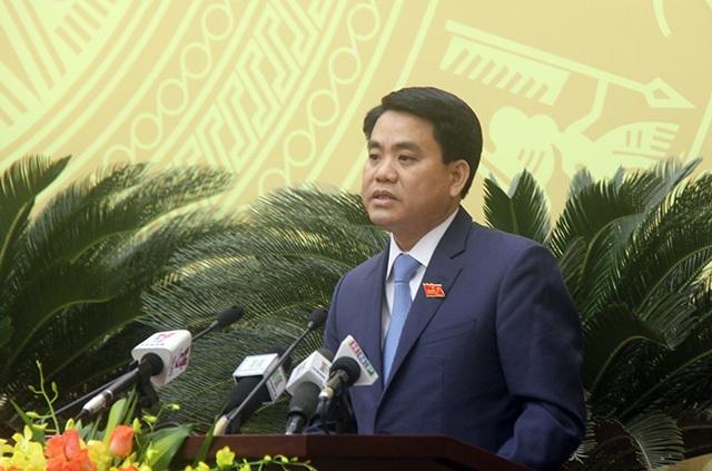 Chủ tịch UBND TP Hà Nội Nguyễn Đức Chung làm rõ một số vấn đề tại phiên chất vấn HĐND