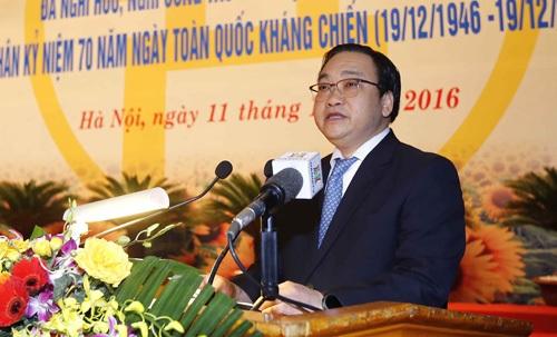 Bí thư Thành ủy Hà Nội Hoàng Trung Hải phát biểu tại buổi lễ (Ảnh: Hà Nội Mới)