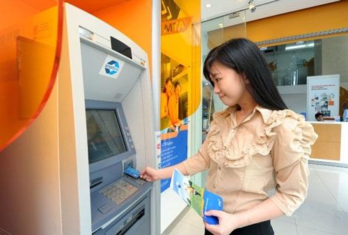Nghẽn ATM -  đến hẹn lại lên