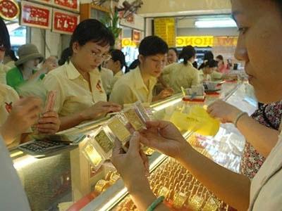 Giá vàng miếng trong nước tiếp tục tăng lên mức 42,2 triệu đồng/lượng.