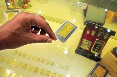 Giá vàng lao dốc về vùng 45 triệu đồng/lượng.