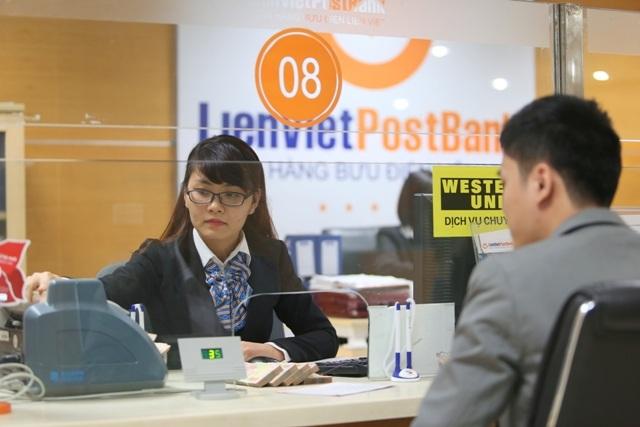 Đến với LienVietPostBank, khách hàng sẽ nhận được nhiều chương trình khuyến mãi hấp dẫn.