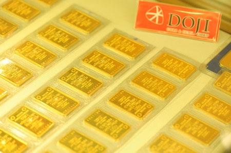 Vàng tăng vọt lên mức 38,1 triệu đồng/lượng (ảnh: AH).
