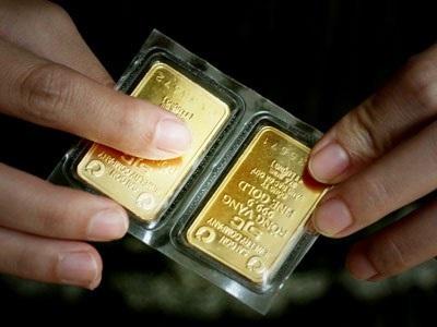Giá vàng lại giảm mạnh.