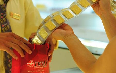Nghiêm cấm ngân hàng sử dụng vàng giữ hộ dưới bất kỳ hình thức nào.