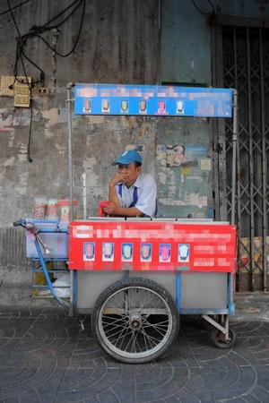 Nếu nước ngọt bị tăng giá bán, không chỉ người tiêu dùng mà các hộ kinh doanh nước ngọt,